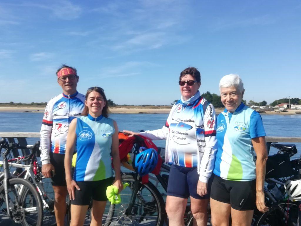 Photo de Didier, Stéphanie, Annick et Marie-Thérèse en route vers Quiberon