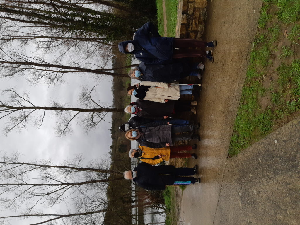 Groupe de 8 personnes courageuses et bien couvertes pour la sortie du 16 février à Saint-Herblain.